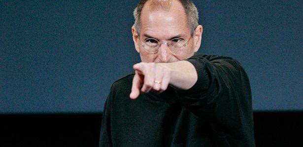 Apple судится с HTC