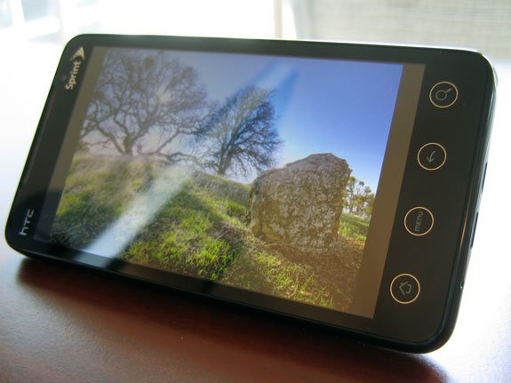 Зачем смартфонам подставка — для фоторамки