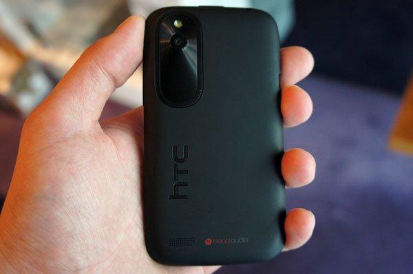 Черный HTC Desire X