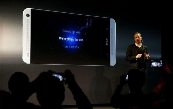 Презентация HTC One — визуализация в новом плеере