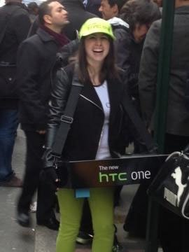 htc-girl-on-samsung-event