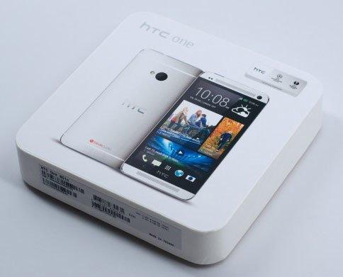 Коробка с HTC One