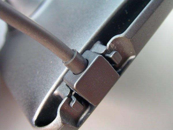 Крепление кабеля в автодержателе D160 для HTC One