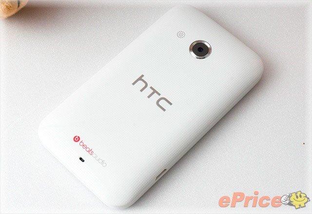 HTC Desire 200 сзади