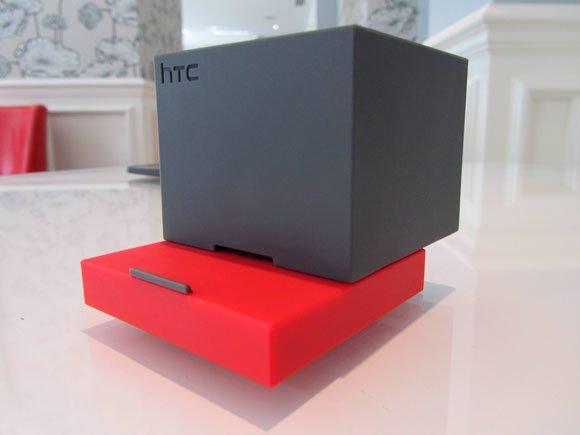 Мобильный сабвуфер HTC BoomBass