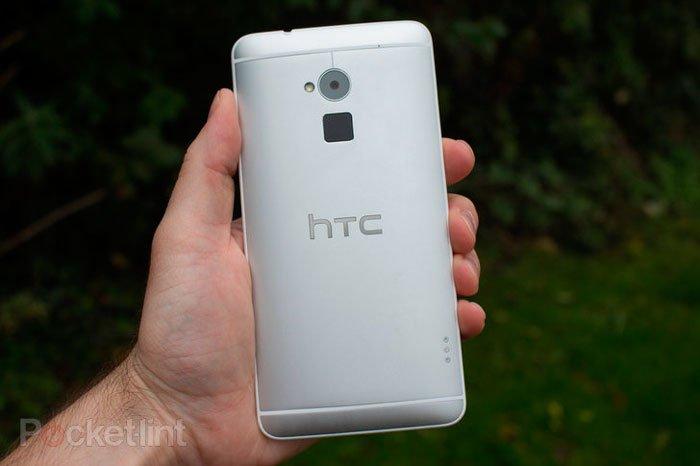 HTC One max сзади