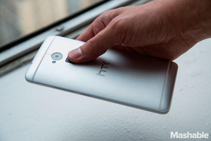 Сенсор отпечатков пальцев в HTC One max