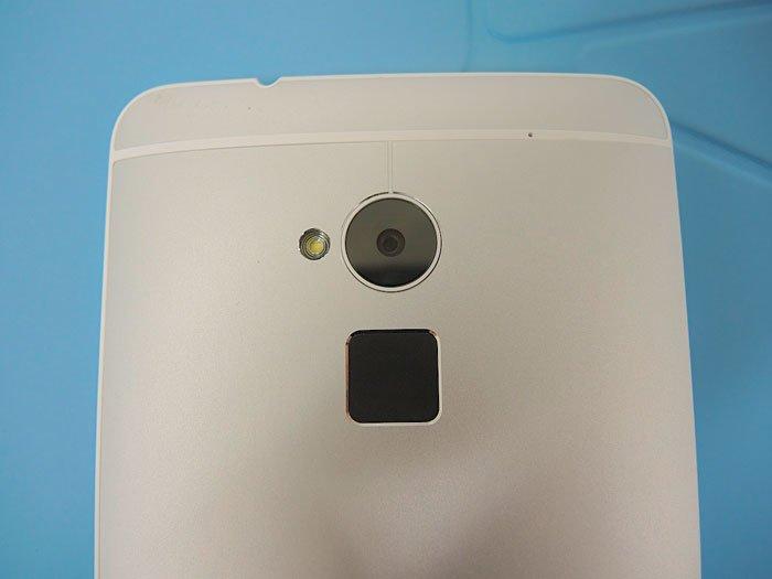Сканер отпечатков пальцев в HTC One max