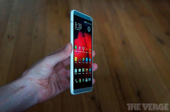 HTC One max — угол обзора сбоку