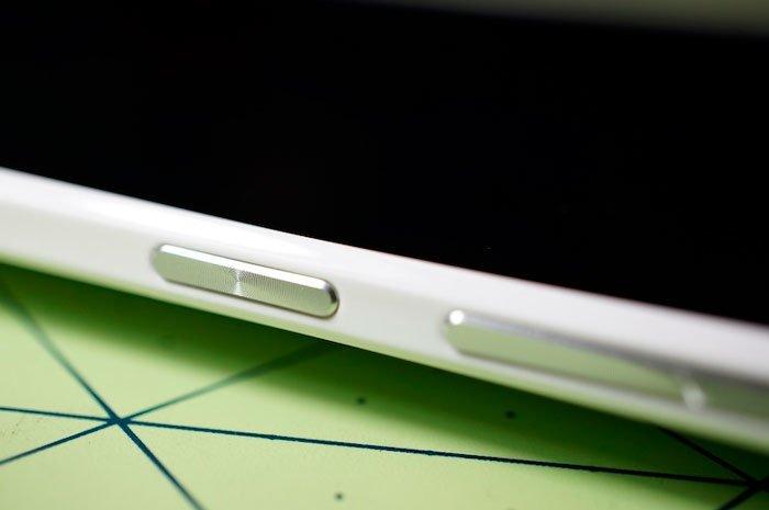Кнопка включения в HTC One max