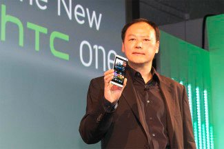 Директор HTC представляет модель One
