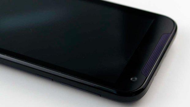 HTC Desire 310 спереди