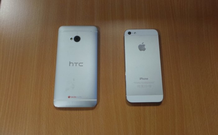 Эппл или HTC: кто у кого скопировал дизайн?